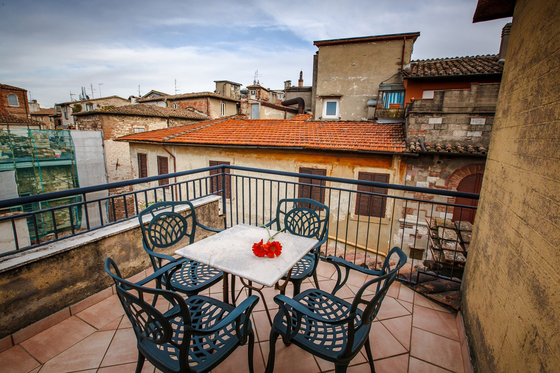 Roof garden terrace in Perugia City | Charme Hotels